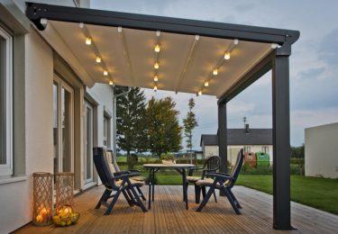 Überdachung mit beweglichem Dach